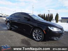 2015_Chrysler_200_4dr Sdn S FWD_ Elkhart IN