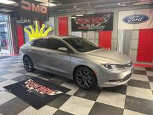 2015_Chrysler_200_Limited 4dr Sedan_ Chesterfield MI