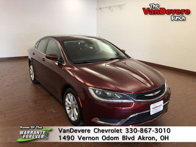2015 Chrysler 200 Limited Akron OH