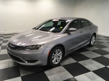 2015_Chrysler_200_Limited_ Chattanooga TN