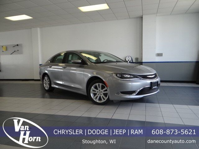2015 Chrysler 200 Limited Plymouth WI