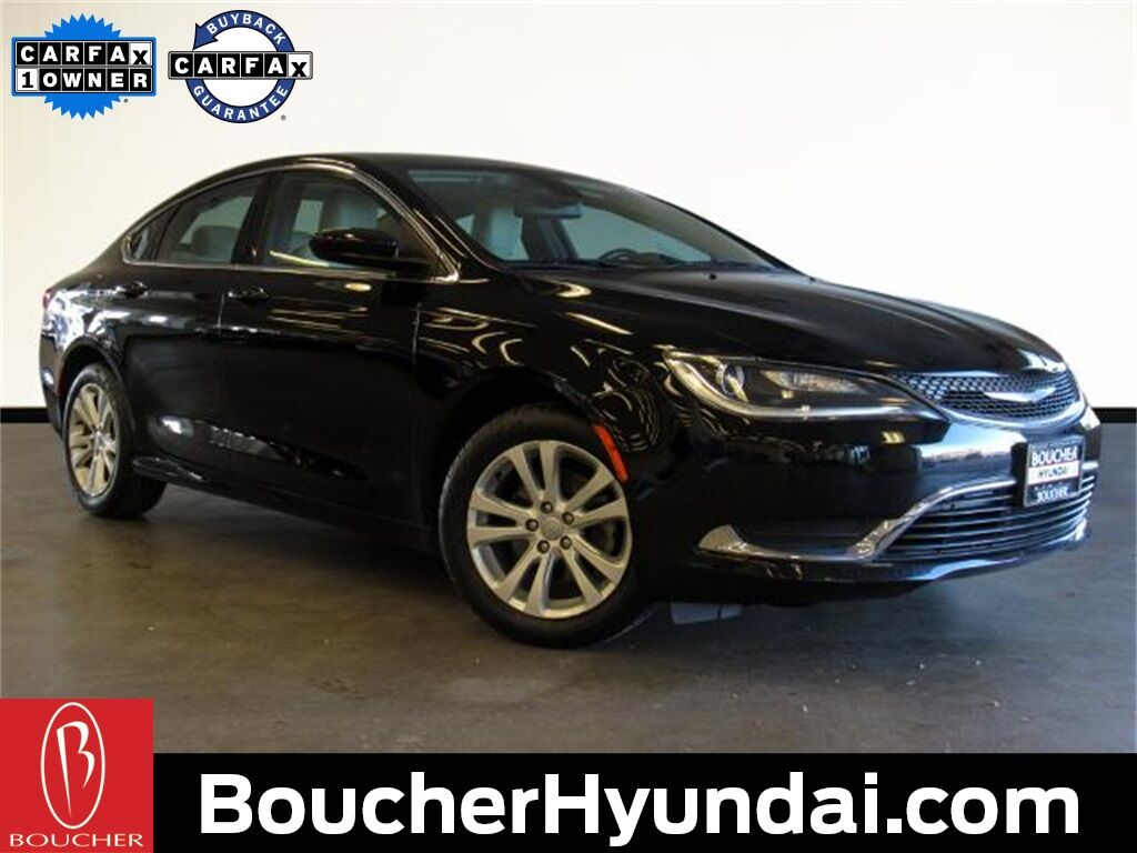 2015 Chrysler 200 Limited w/Convenience Group Waukesha WI