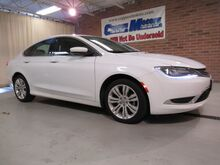 2015_Chrysler_200_Limited_ Tiffin OH