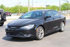 2015_Chrysler_200_S_ Fort Wayne Auburn and Kendallville IN