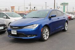 2015_Chrysler_200_S_ Fort Wayne Auburn and Kendallville IN