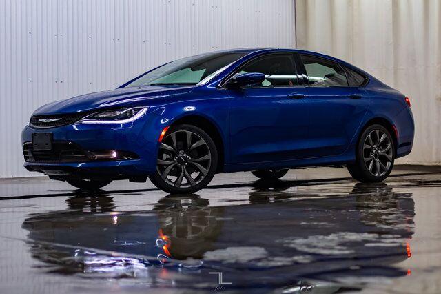2015 Chrysler 200 S Leather Roof BCam Red Deer AB