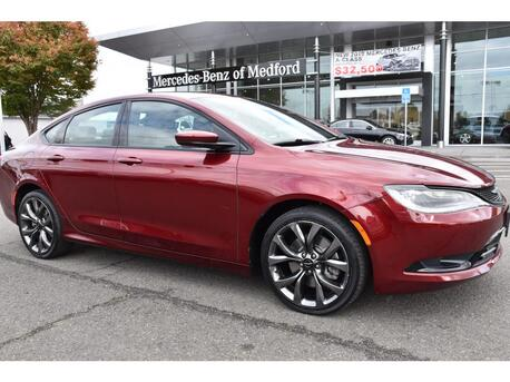 2015_Chrysler_200_S_ Medford OR