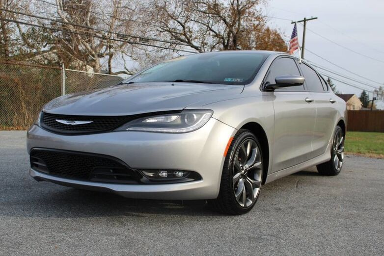 2015 Chrysler 200 S New Castle DE