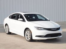 2015_Chrysler_200_S_ Paris TX