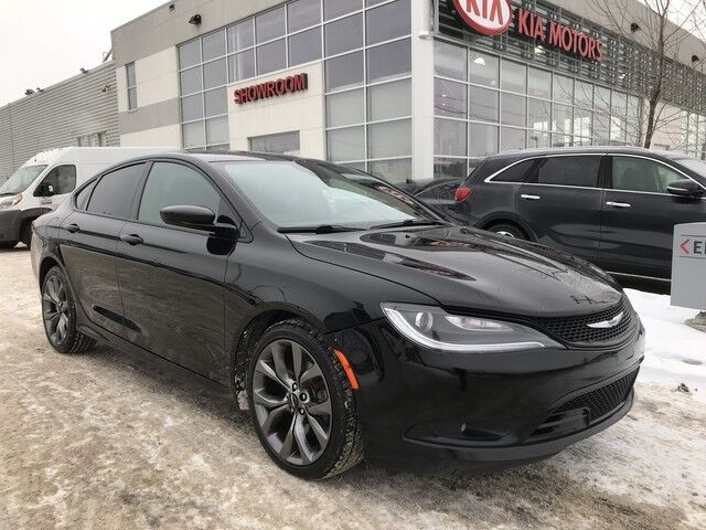2015 Chrysler 200 S SDN FWD V6 *SUNROOF/REARVIEW CAMERA/HEATED SEATS* Edmonton AB