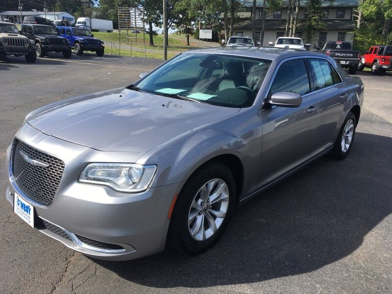 2015 Chrysler 300 Limited Clinton AR