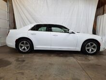 2015_Chrysler_300_Limited RWD_ Middletown OH