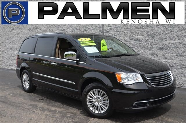 2015 Chrysler Town & Country Limited Racine WI