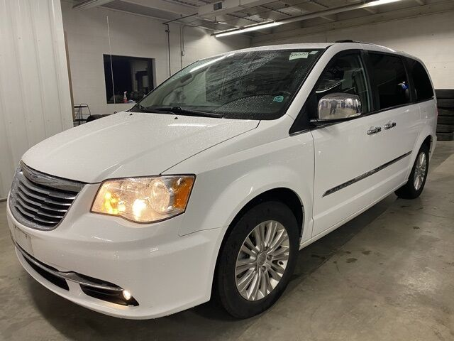 2015 Chrysler Town and Country Limited Milwaukee WI