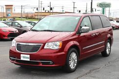 2015_Chrysler_Town & Country_Limited Platinum_ Fort Wayne Auburn and Kendallville IN