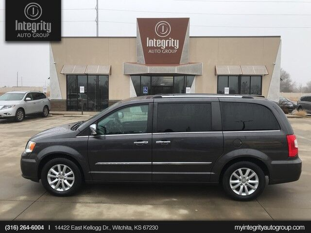 2015 Chrysler Town & Country Limited Platinum Wichita KS