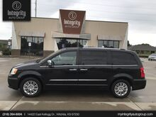 2015_Chrysler_Town & Country_Limited Platinum_ Wichita KS