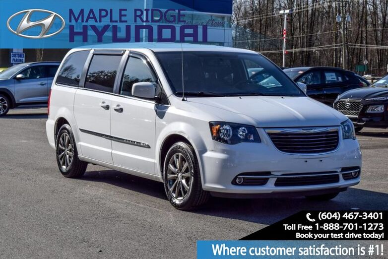 2015 Chrysler Town & Country S Air Conditioning, Backup Camera Maple Ridge BC