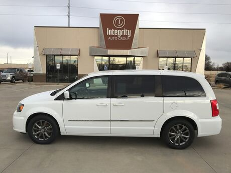 2015 Chrysler Town & Country S Wichita KS