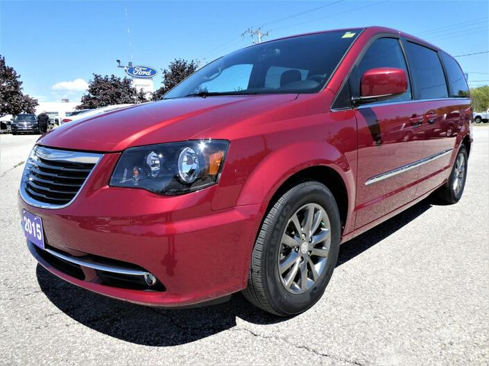 2015 Chrysler Town & Country *SALE PENDING* S | Navigation | DVD | Heated Seats Essex ON