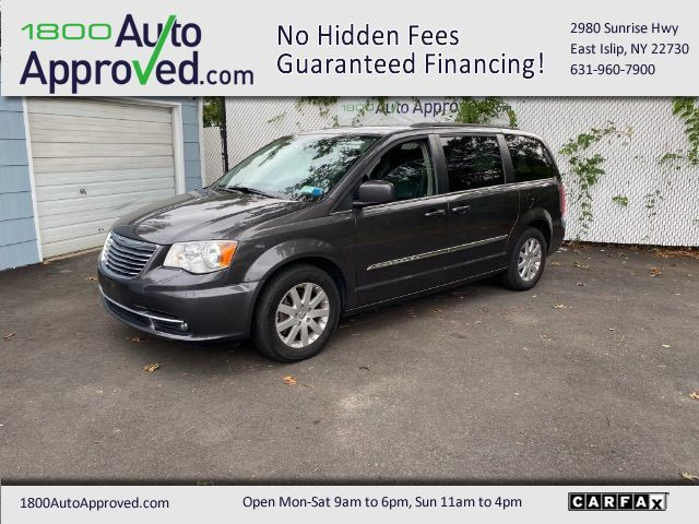 2015 Chrysler Town & Country Touring East Islip NY