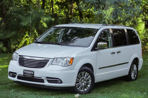 2015 Chrysler Town & Country Touring-L Akron OH