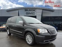 2015_Chrysler_Town & Country_Touring-L_ Centerville OH