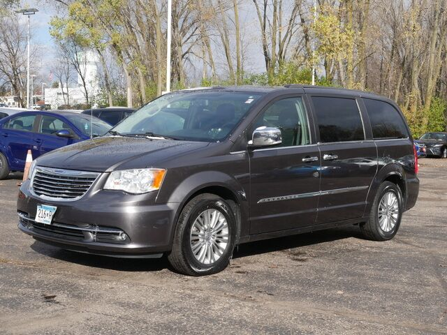 2015 Chrysler Town & Country Touring-L Inver Grove Heights MN