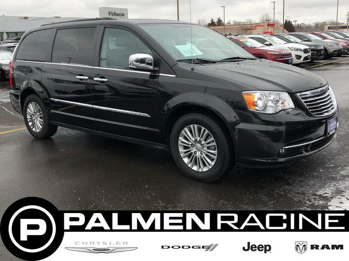 2015 Chrysler Town & Country Touring-L Milwaukee WI