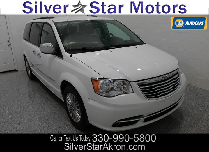 2015 Chrysler Town & Country Touring-L Tallmadge OH