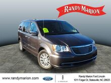 2015_Chrysler_Town & Country_Touring-L_