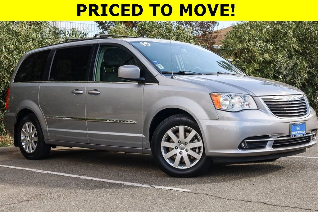 2015 Chrysler Town & Country Touring Livermore CA