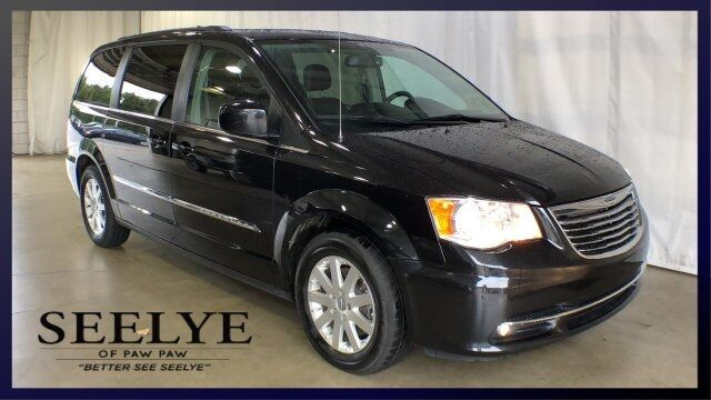 2015 Chrysler Town & Country Touring Paw Paw MI