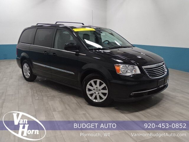 2015 Chrysler Town and Country Touring Plymouth WI