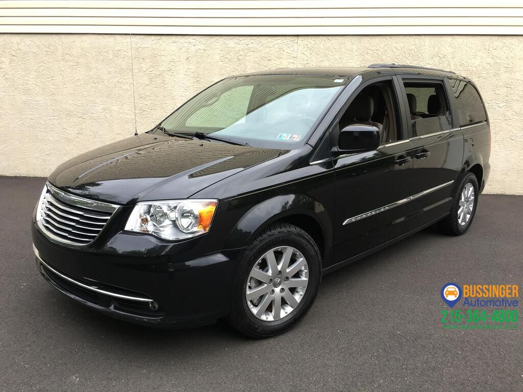 2015 Chrysler Town & Country Touring w/ Rear Entertainment Feasterville PA