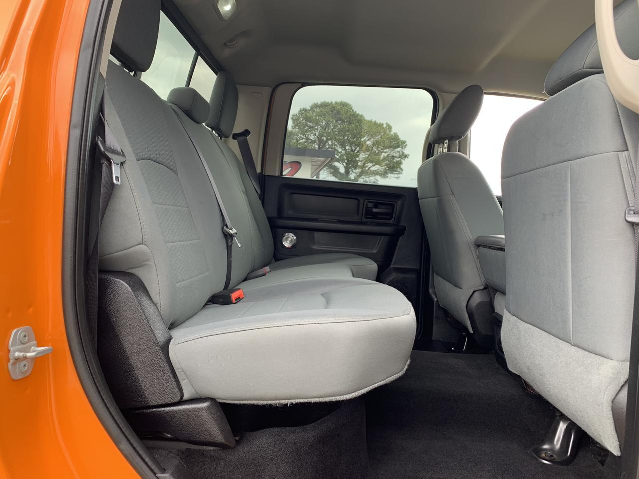 2015 DODGE RAM 2500 HEAVY DUTY TRADESMAN CREW CAB 4X4, WARRANTY, LIFTED, BLUETOOTH, BACKUP CAM, TOW PKG, UCONNECT! Norfolk VA