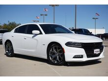2015_Dodge_Charger_R/T_