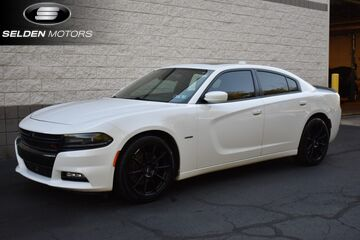 2015_Dodge_Charger_RT_ Willow Grove PA