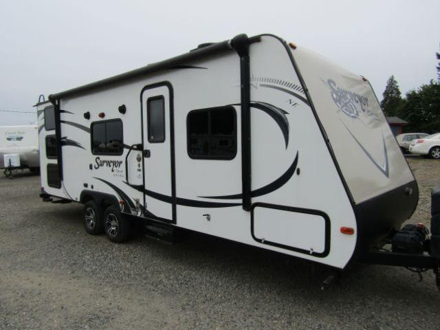 2015 FOREST RIVER SURVEYOR SPORT 260BHS SP260BHS