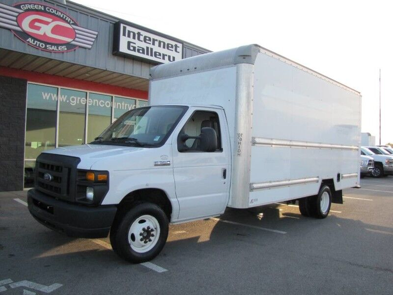 2015 Ford E-350 Box Van V10 Collinsville OK