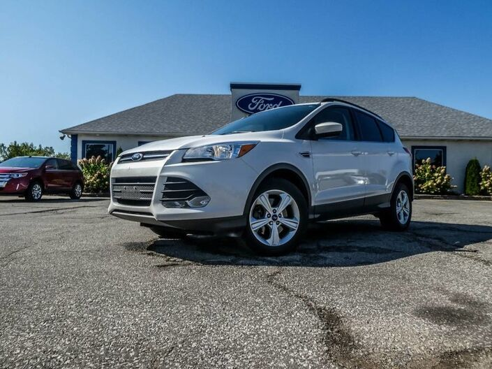 2015 Ford Escape SE- NAVIGATION- 4X4- BACKUP CAM- BLUETOOTH- HEATED SEATS Essex ON