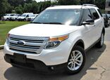 2015 Ford Explorer XLT - w/ BACK UP CAMERA & LEATHER SEATS
