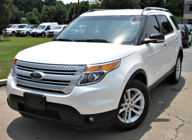 2015 Ford Explorer XLT - w/ BACK UP CAMERA & LEATHER SEATS Lilburn GA
