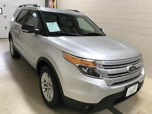Ford Explorer XLT 4WD W/leather and Moonroof 2015
