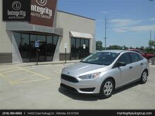 2015_Ford_Focus_S_ Wichita KS