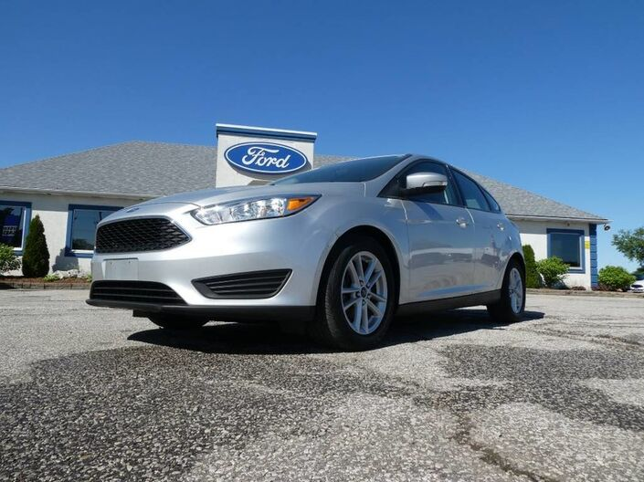2015 Ford Focus SE- HATCHBACK- 2.0L- BLUETOOTH- BACKUP CAM- HEATED SEATS Essex ON