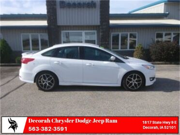 2015_Ford_Focus_SE_ Decorah IA