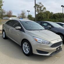 2015_Ford_Focus_SE Sedan_ Kansas City MO