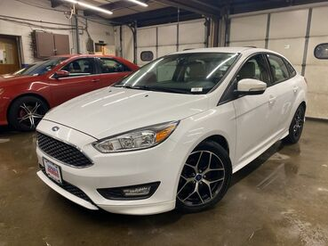 2015_Ford_Focus_SE_ Worcester MA