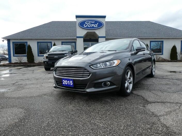 2015 Ford Fusion SE - NAVIGATION - BLUETOOTH - BACK UP CAMERA - CRUISE CONTROL Essex ON
